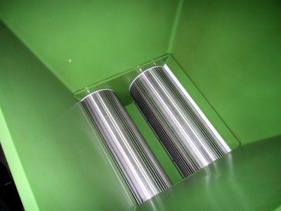 Tolva STM d'extracció de la massa mitjançant dos cilindres